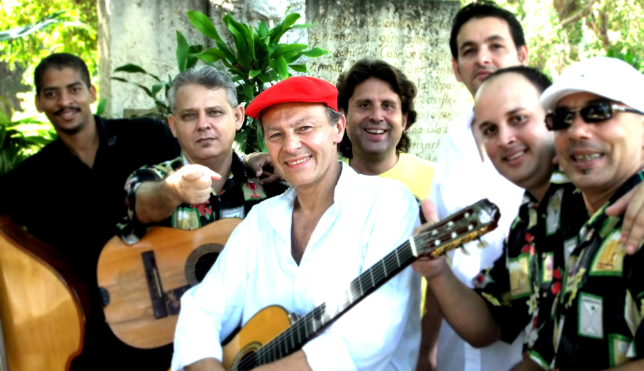 Antonio Koudele with cuban musicians
